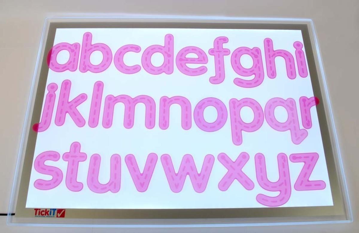 英國幼兒教育專家品牌 - 粉紅色軟膠英文字母