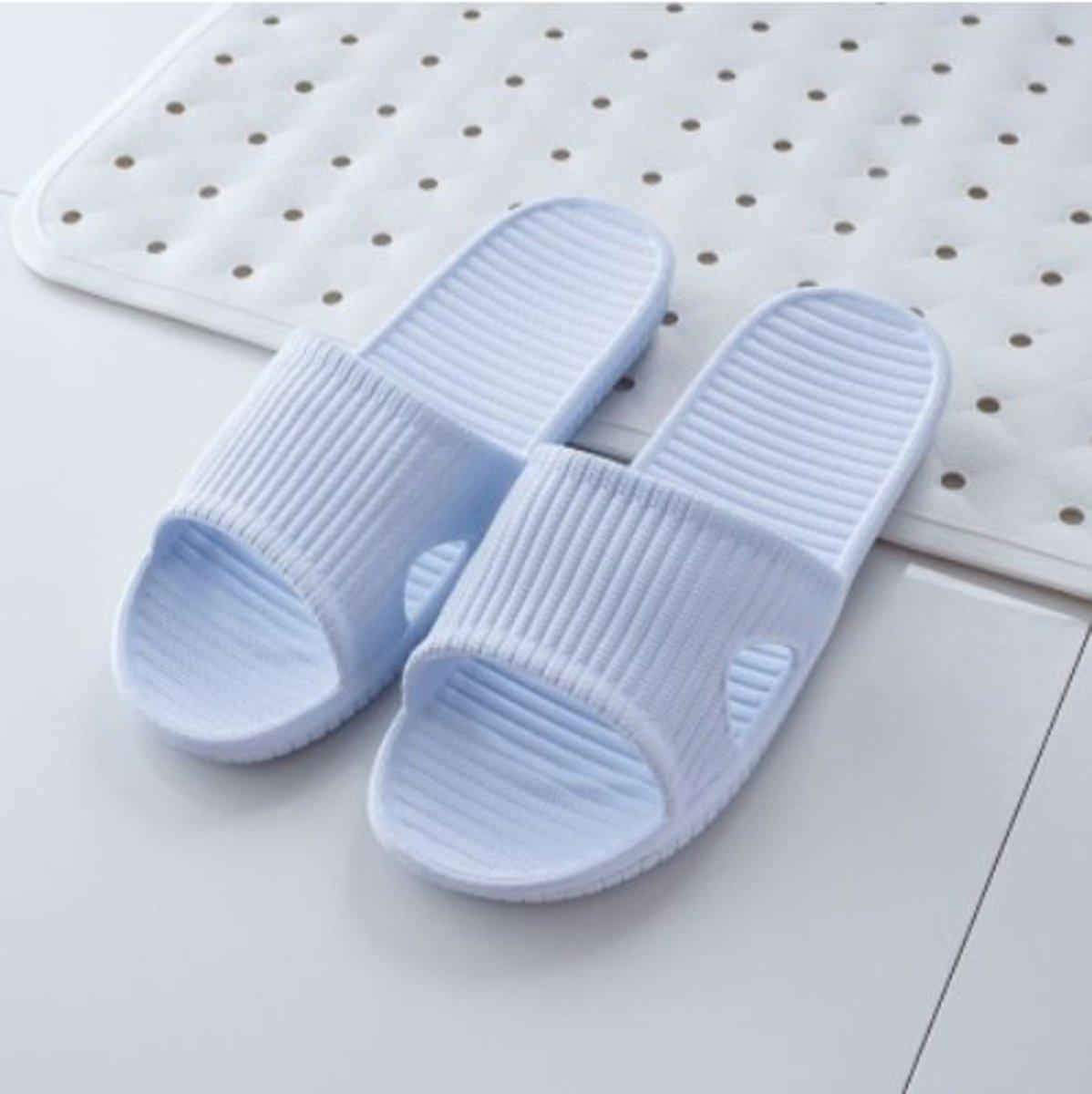 Japan World life Men's Home Bathroom Slippers (Light Blue / 40-41)