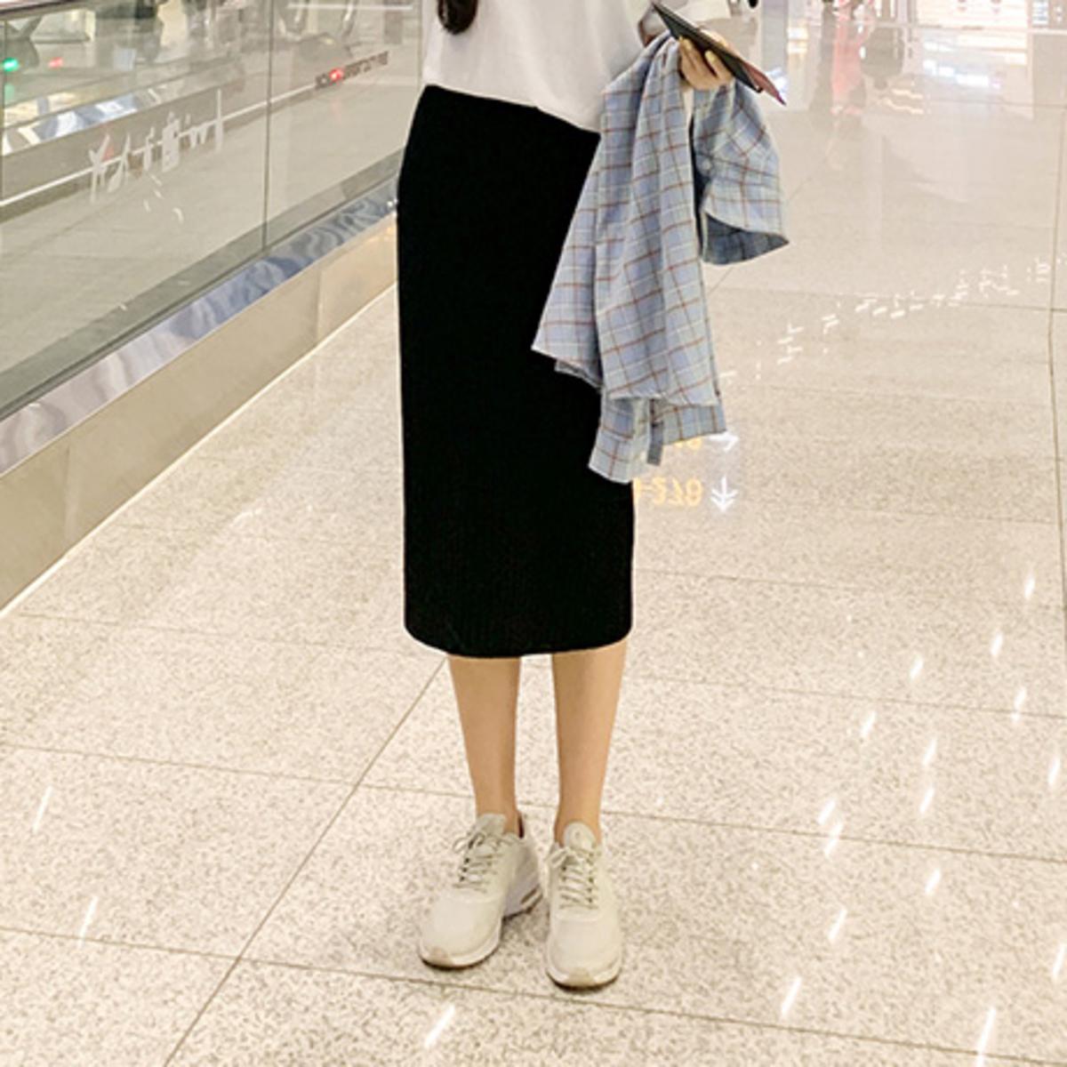 坑紋直身針織半截裙