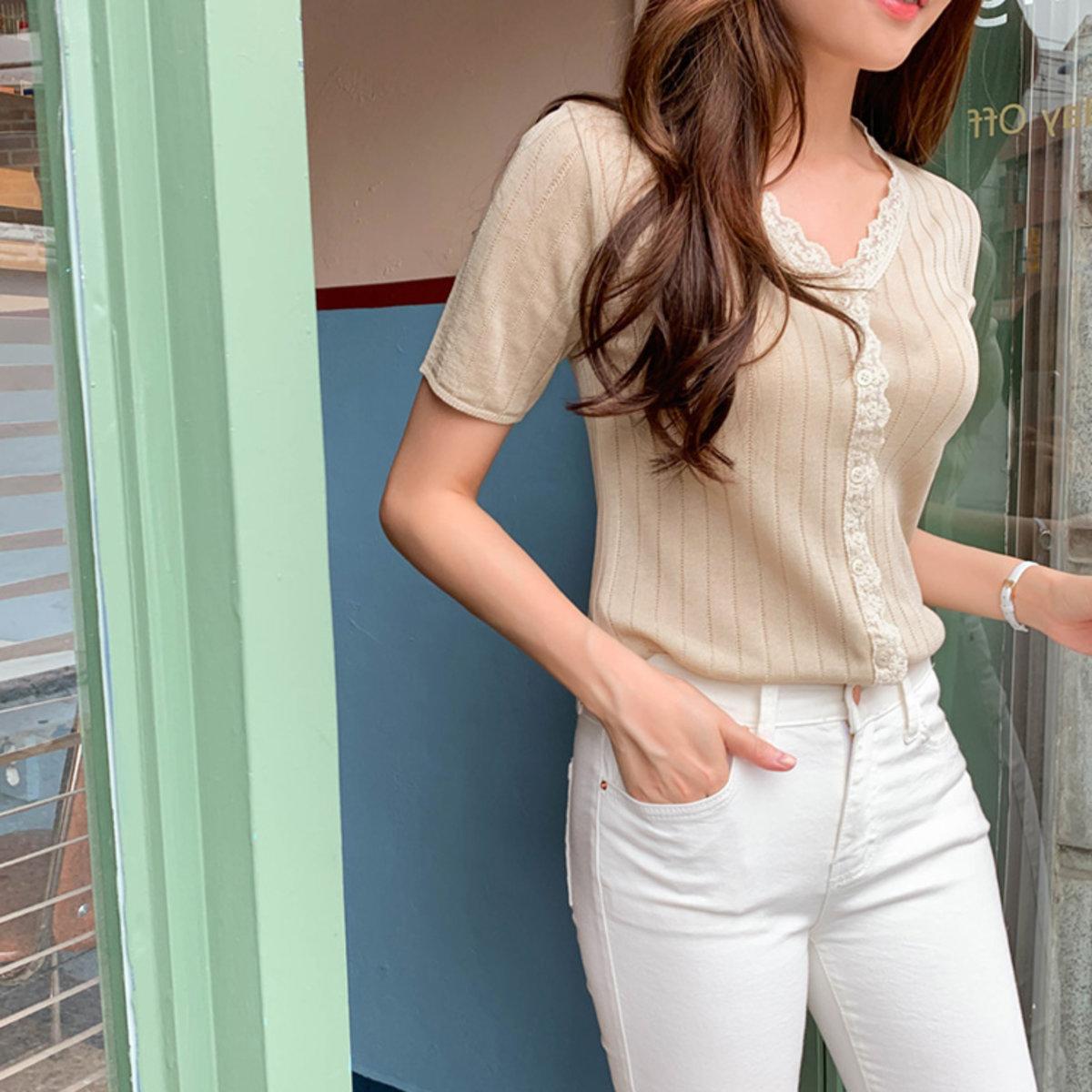 Lace領襟扣鈕針織短袖衫