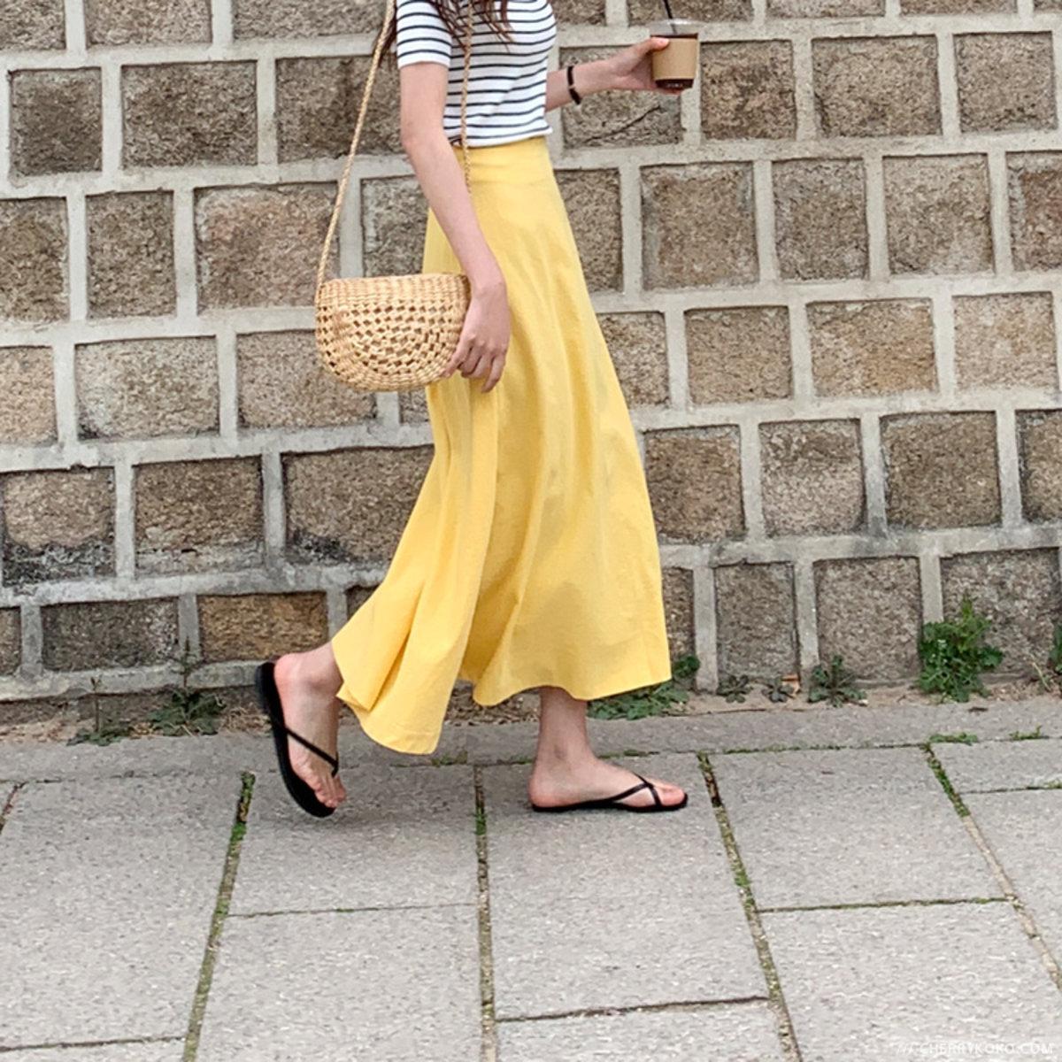 純色傘形腳半截裙