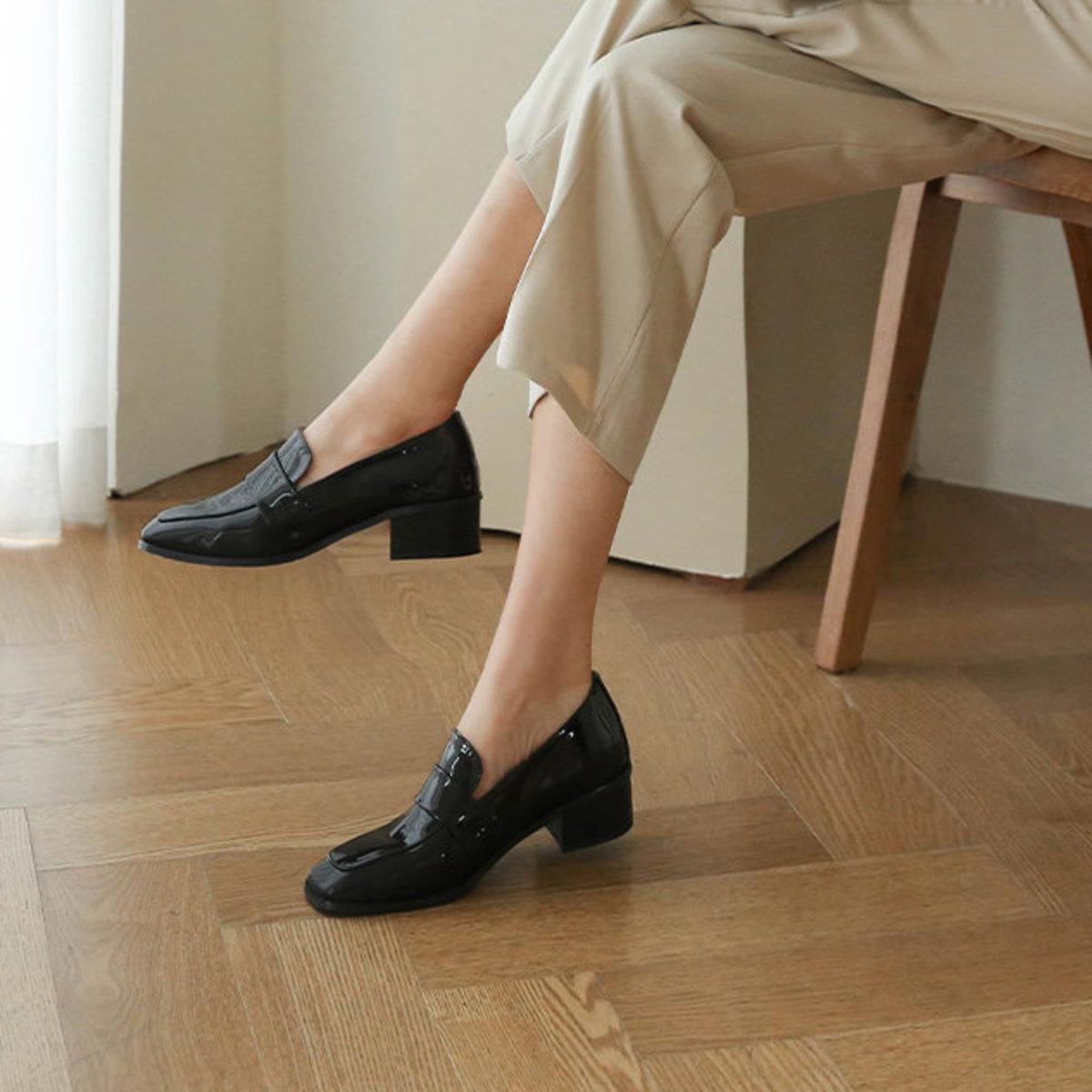 簡約低跟鞋(漆皮)