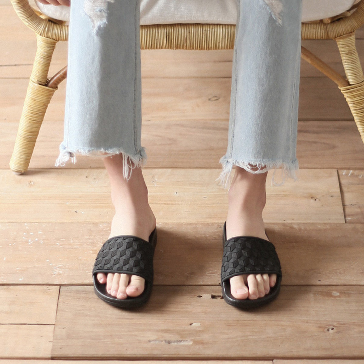 Light Basic Slippers [CL2309]