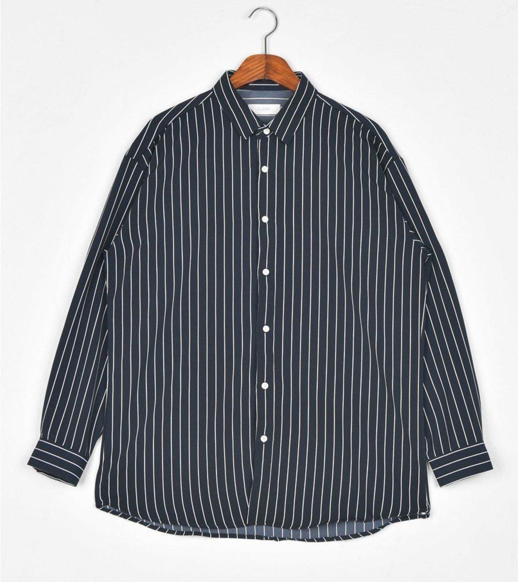 直條簡約恤衫