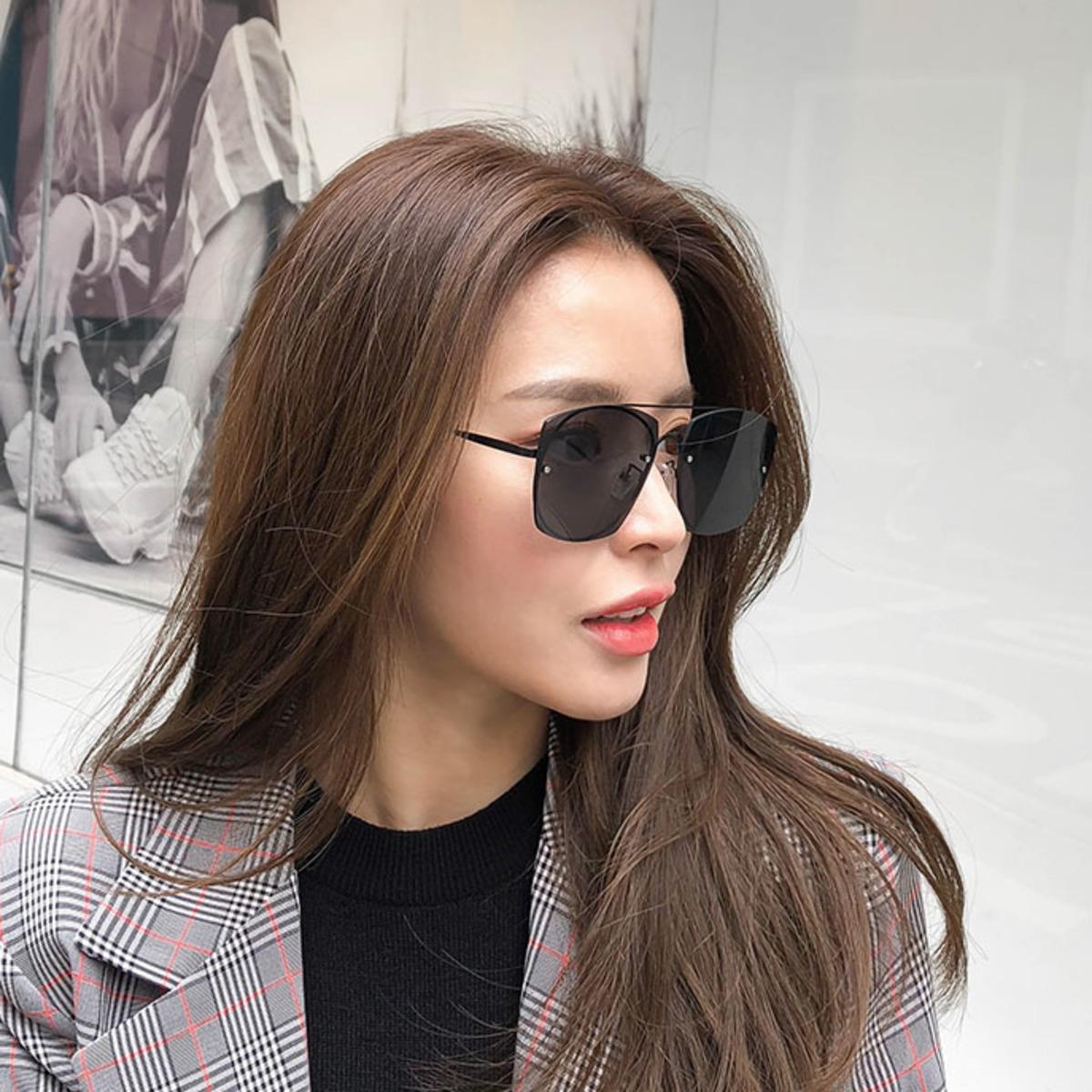 Square Lens Navigator Sunglasses