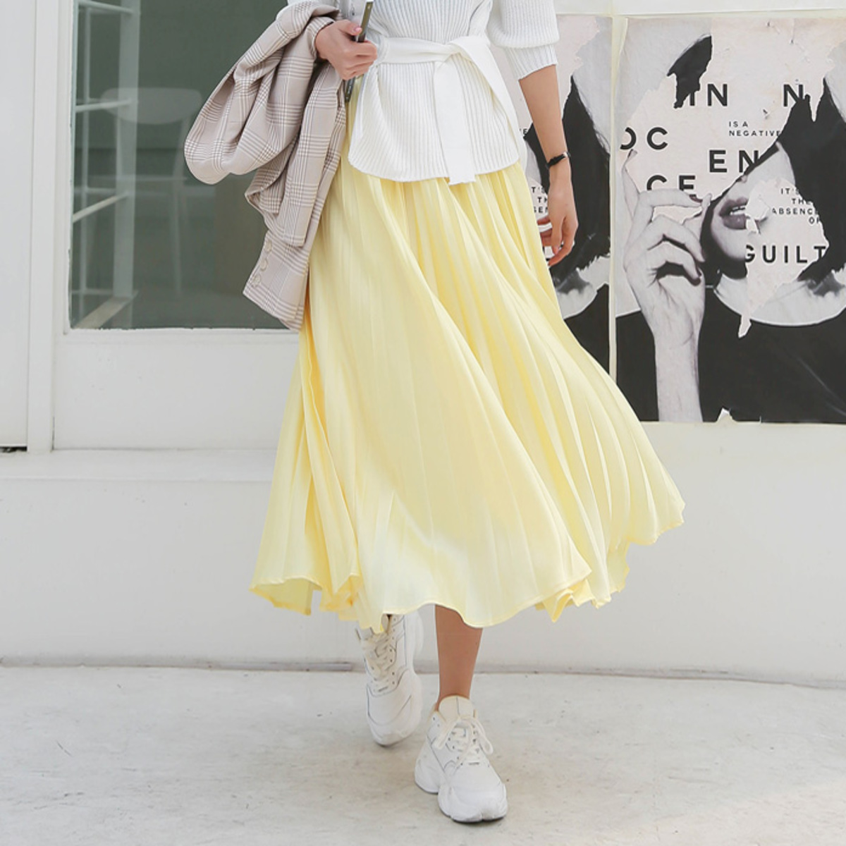 Solid Tone Pleated Skirt