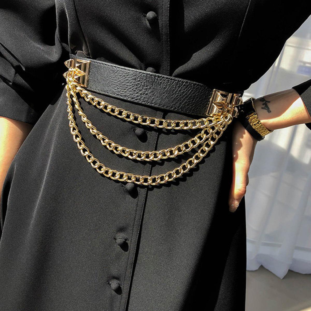 三行垂飾金鏈按扣腰帶
