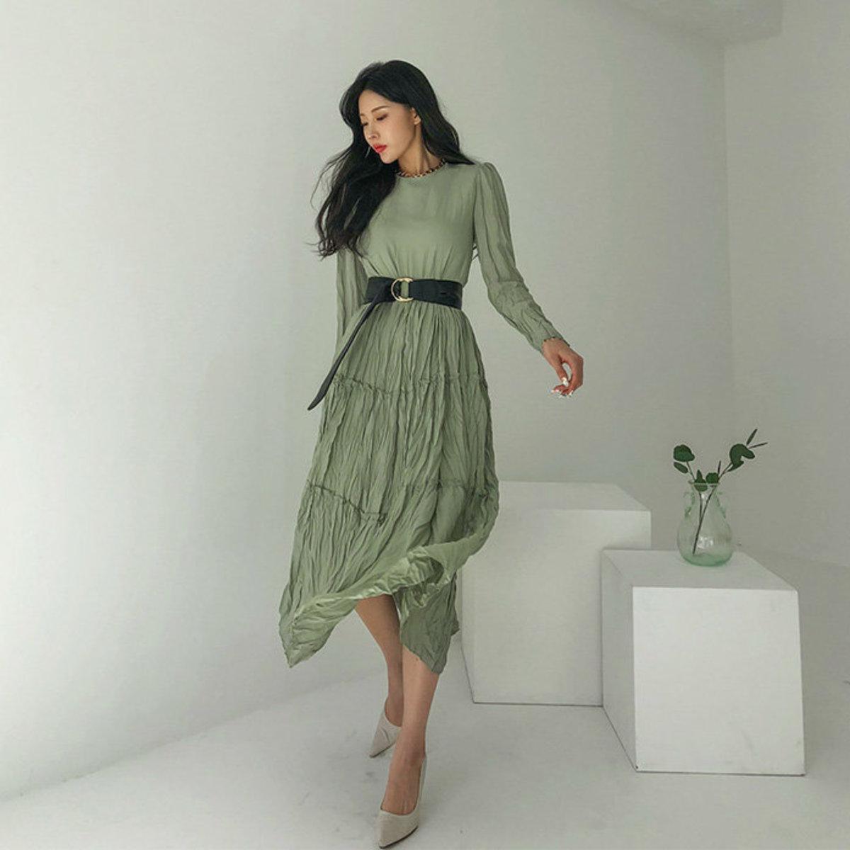 皺褶傘腳連身裙