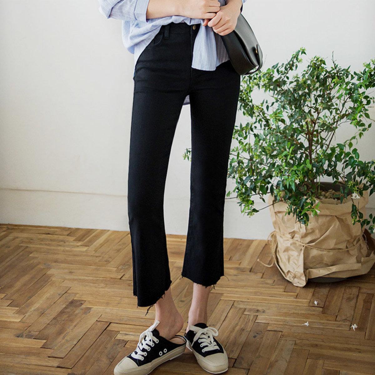 Natural Hem Semi-Boots Cut Pants