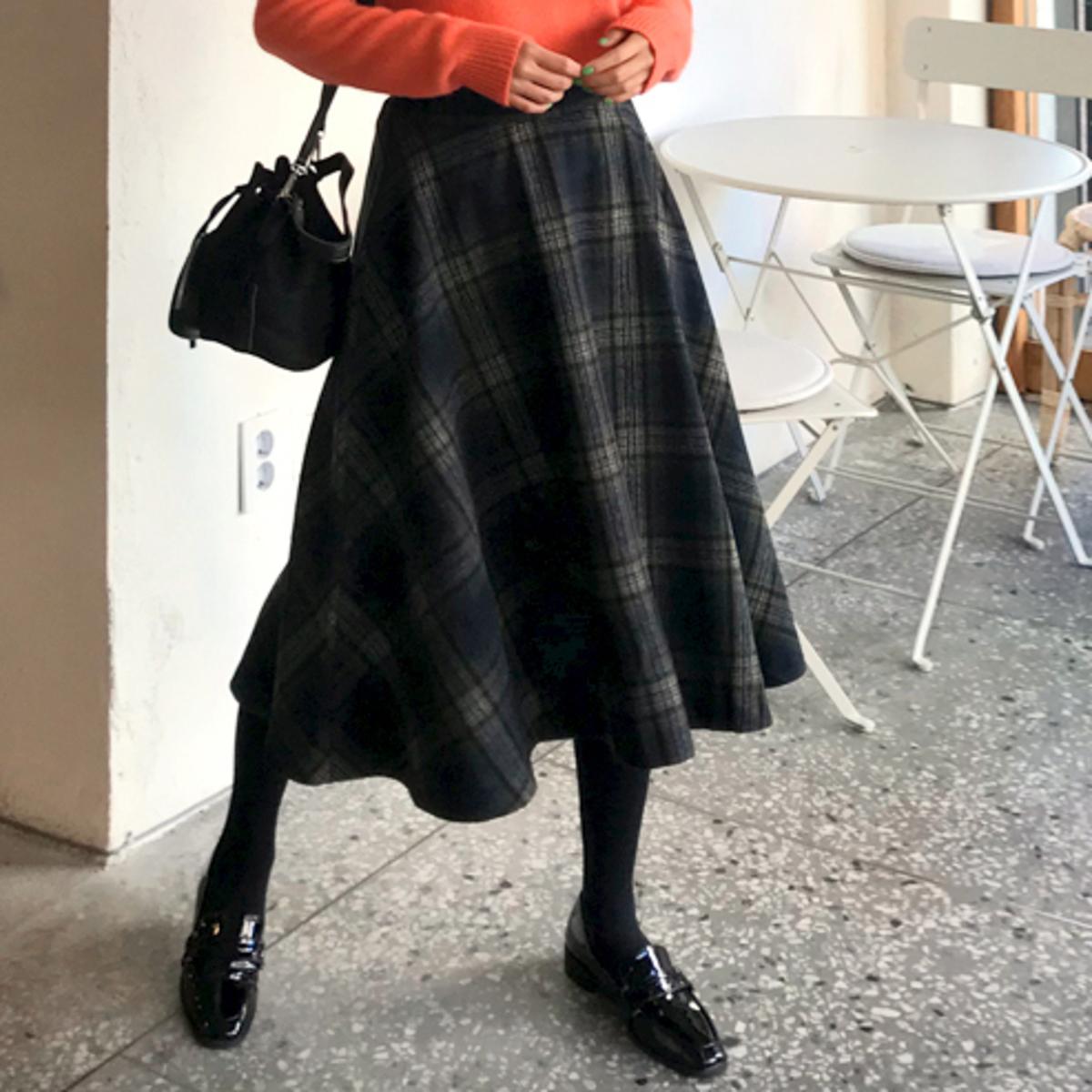 格子傘形腳半截裙