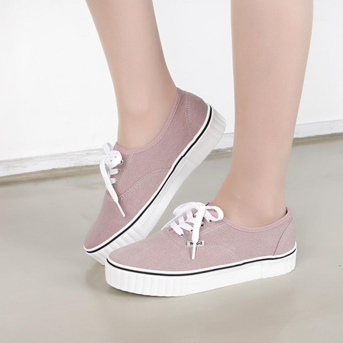 簡約綁帶運動鞋