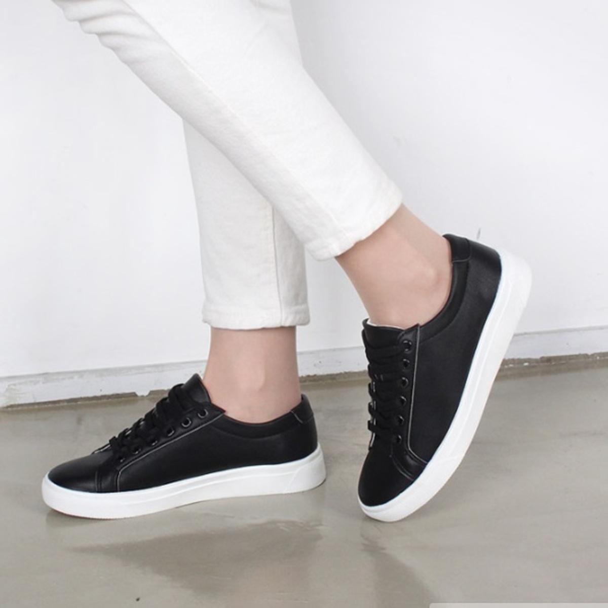 簡約休閒運動鞋