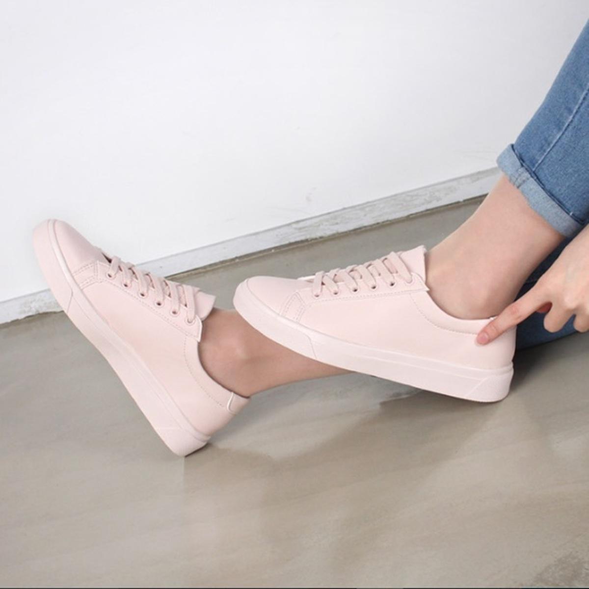 KR-MODA Sneakers