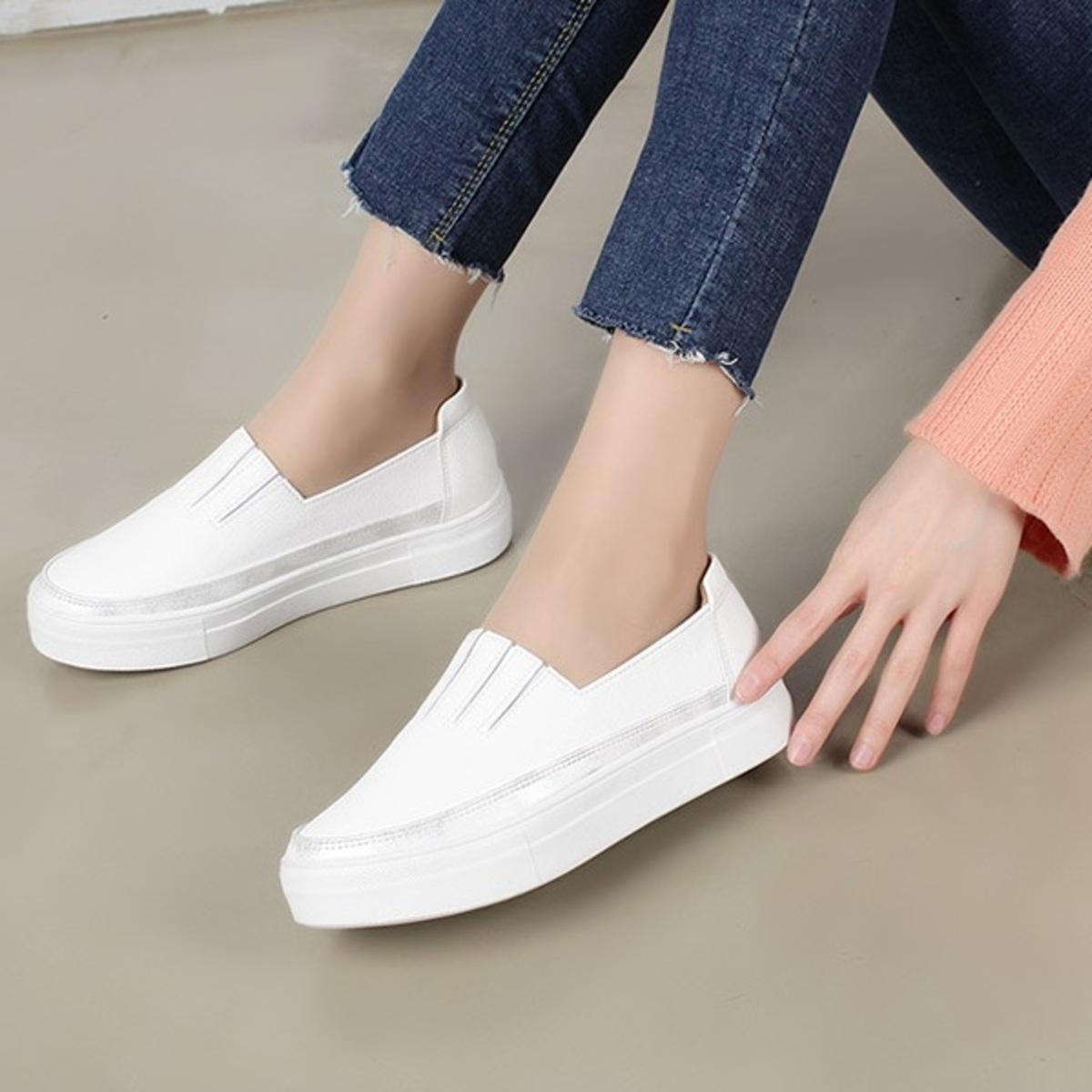 橡筋口銀邊平底鞋