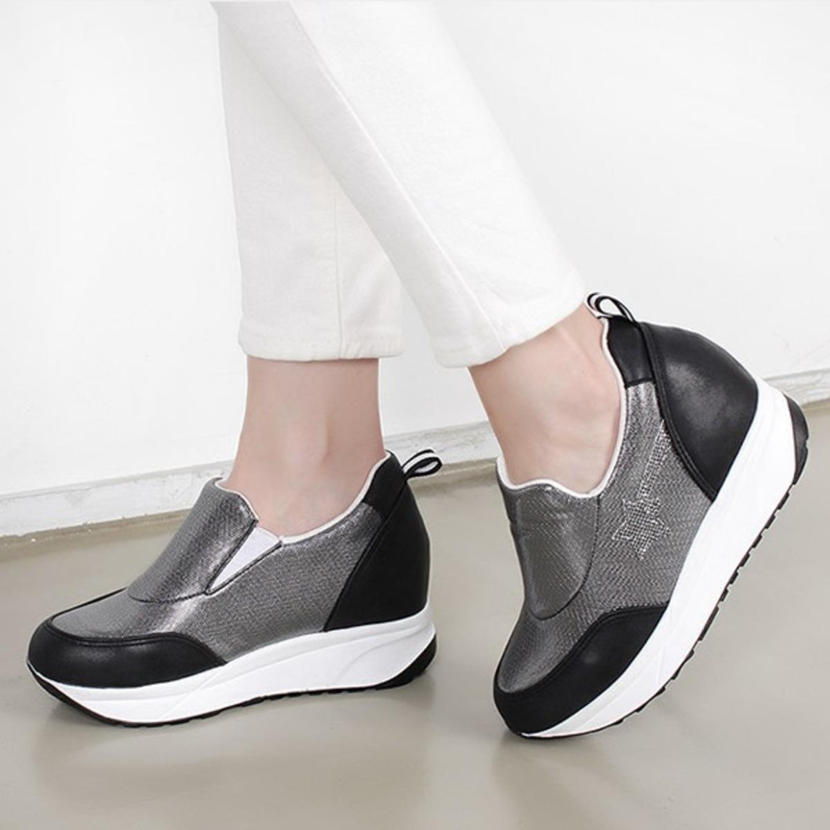 星星內增高運動鞋