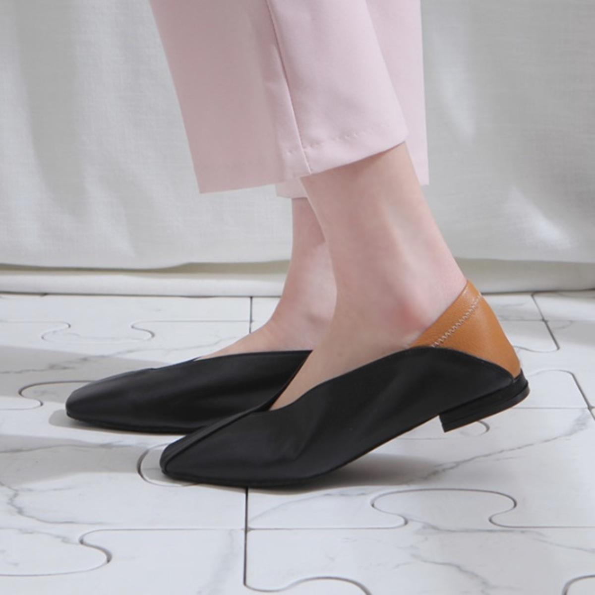 撞色平頭拼接V口平底鞋