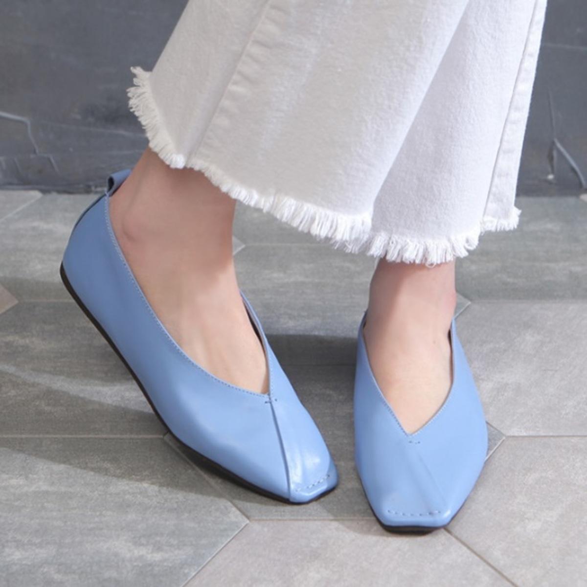 Diagonal Leather Flat shoes