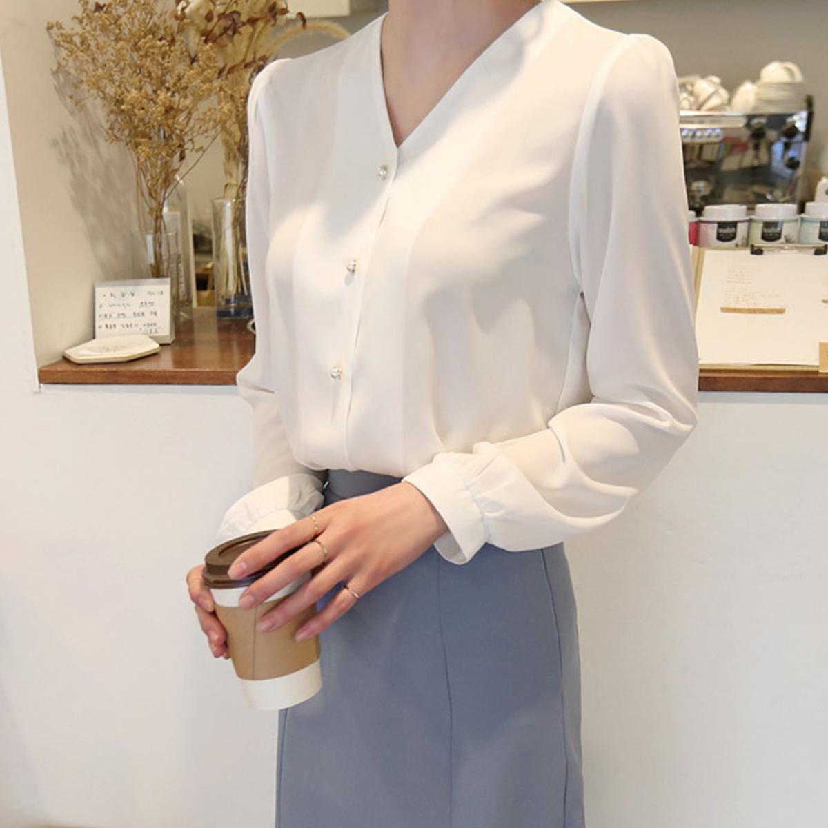 V領珠鈕泡袖襯衫