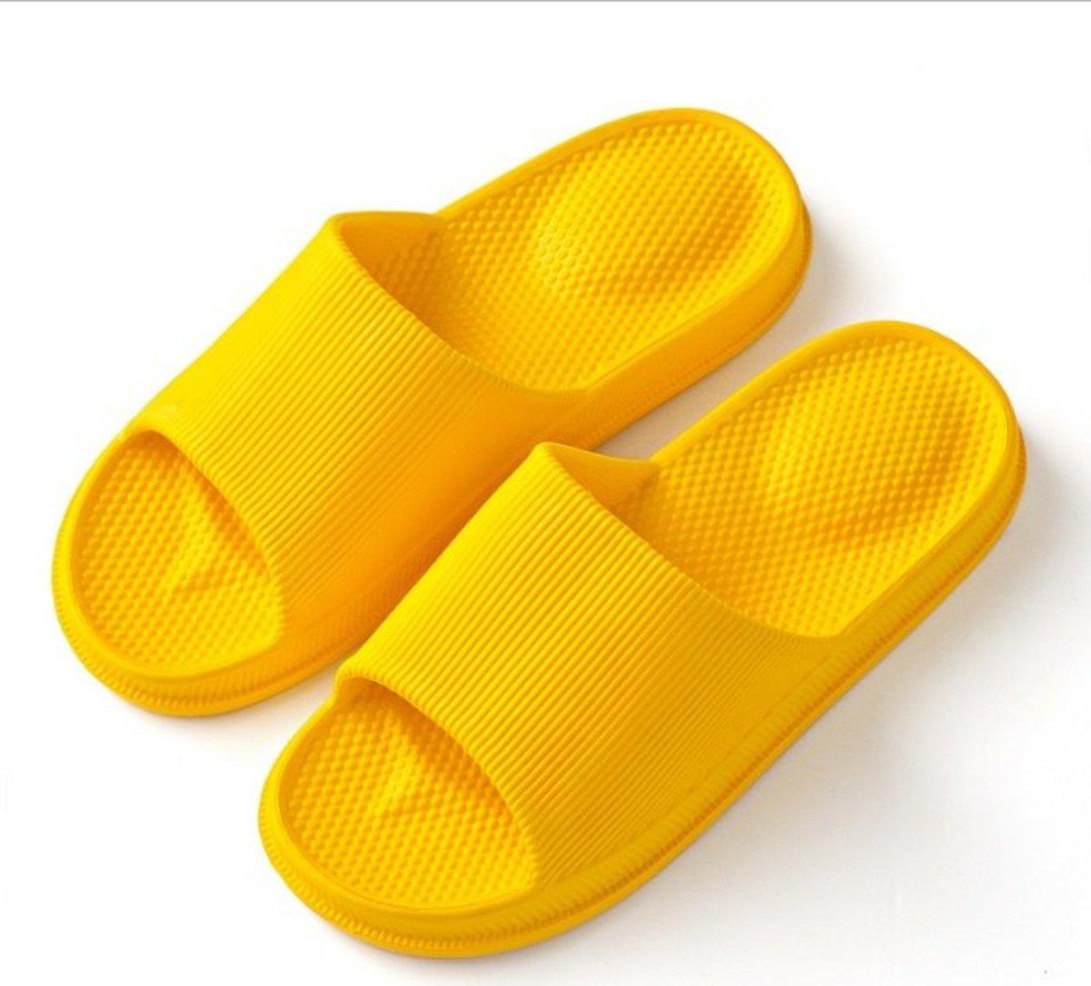 Japanese-style indoor waterproof massage slippers (orange 38-39 yards)