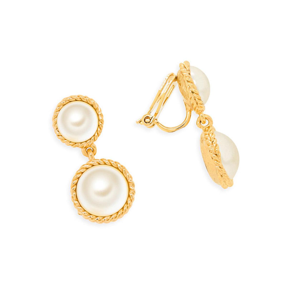 Statement Pearl: gold plating, Swarovski pearl clip earrings