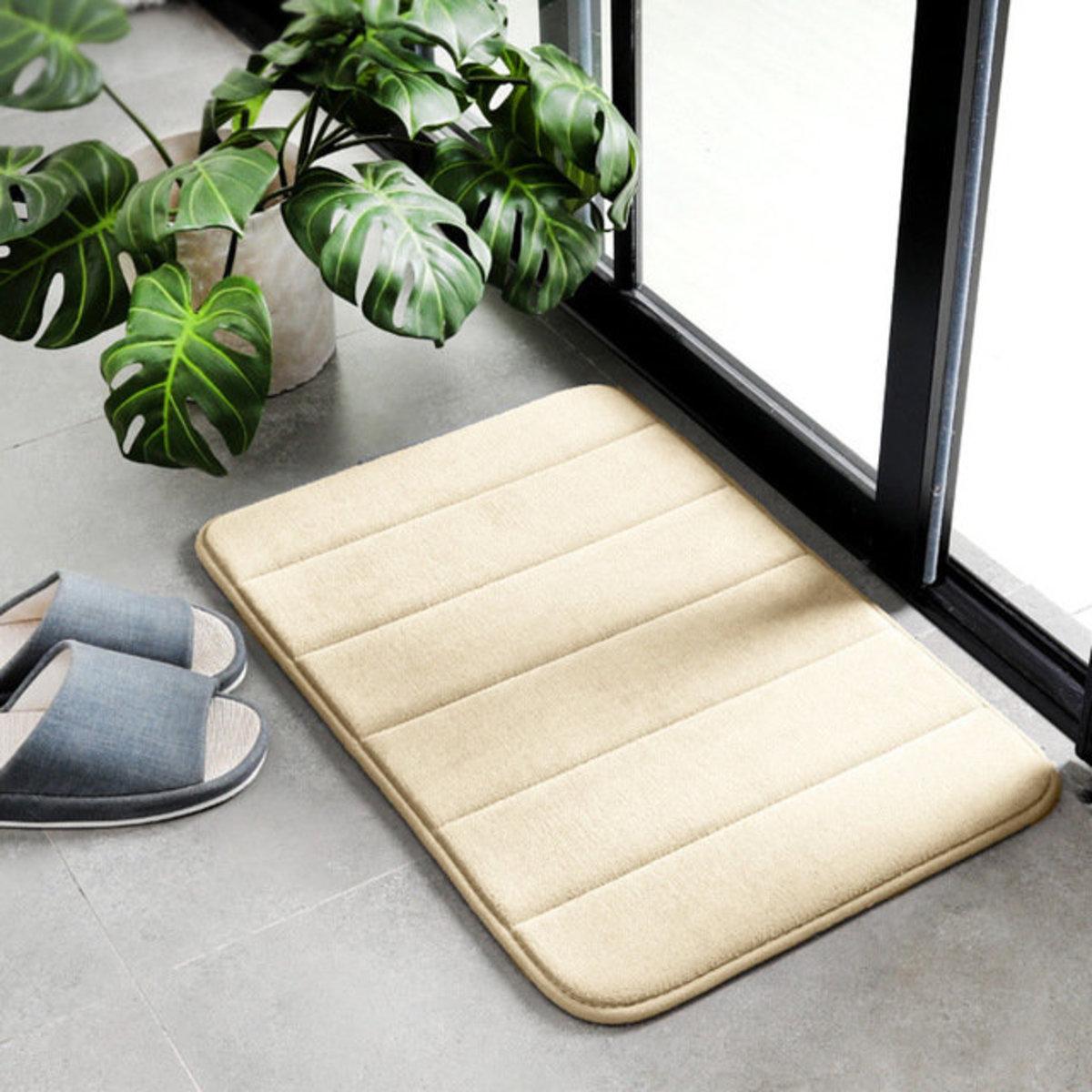 Bathroom mat / thickened slow rebound water-absorbing anti-slip rug / living room carpet (Beige)