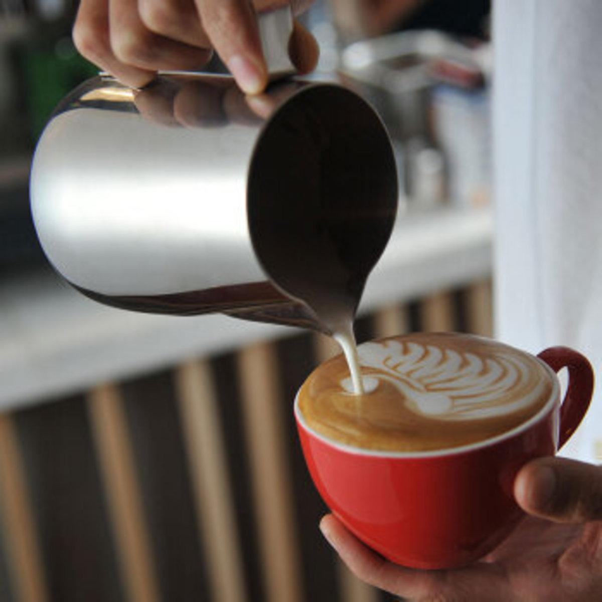 專業咖啡尖咀拉花杯/ 帶刻度奶泡加厚不鏽鋼杯  (350ml)