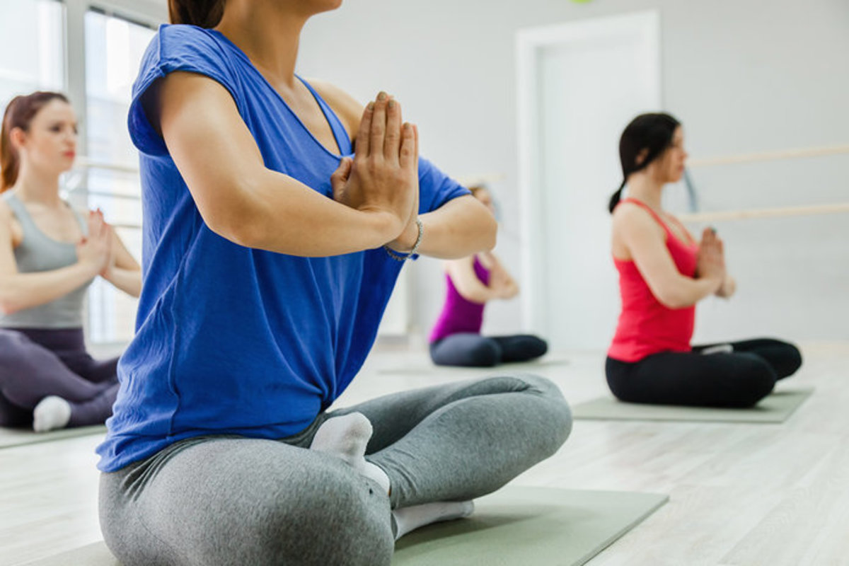4 Sessions - (Basic Yoga / Stretching) Group Class for 1 Pax
