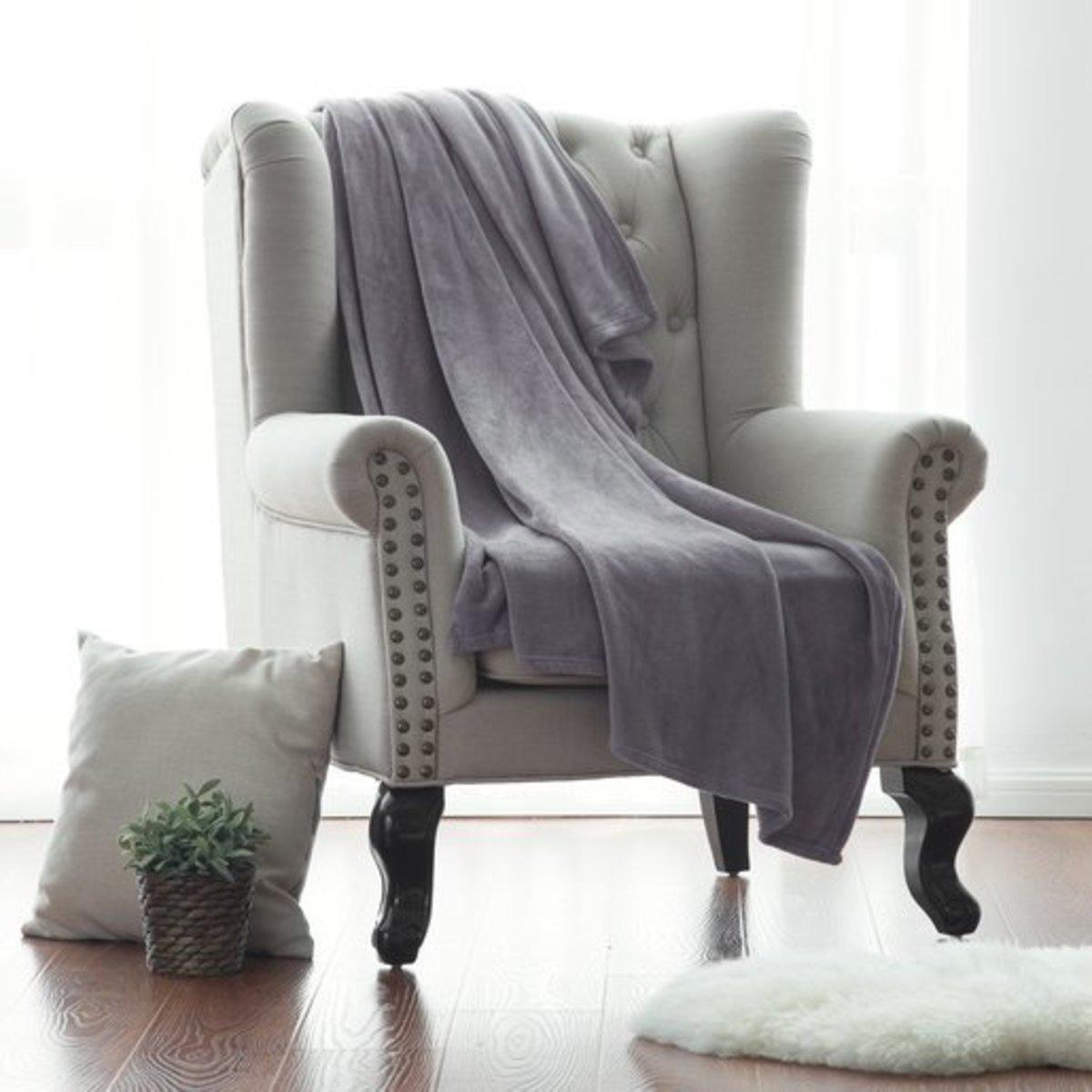 勾牙利 RENOWN Premium Classic Flannel 法蘭絨保暖被 [Office Size] / Light Grey