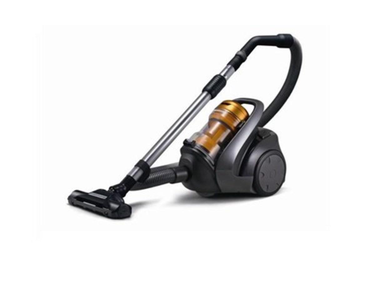 Bagless Vacuum Cleaner (1500W) MCCL743