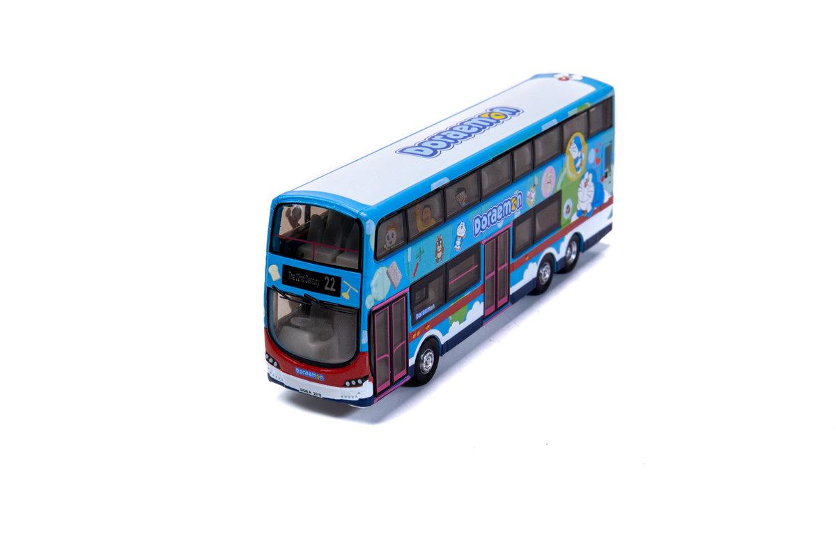 TINY DORA013 多啦A夢 B9TL 巴士