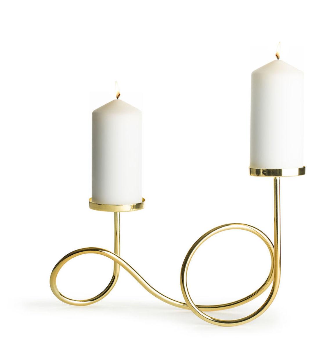 Loop candle holder
