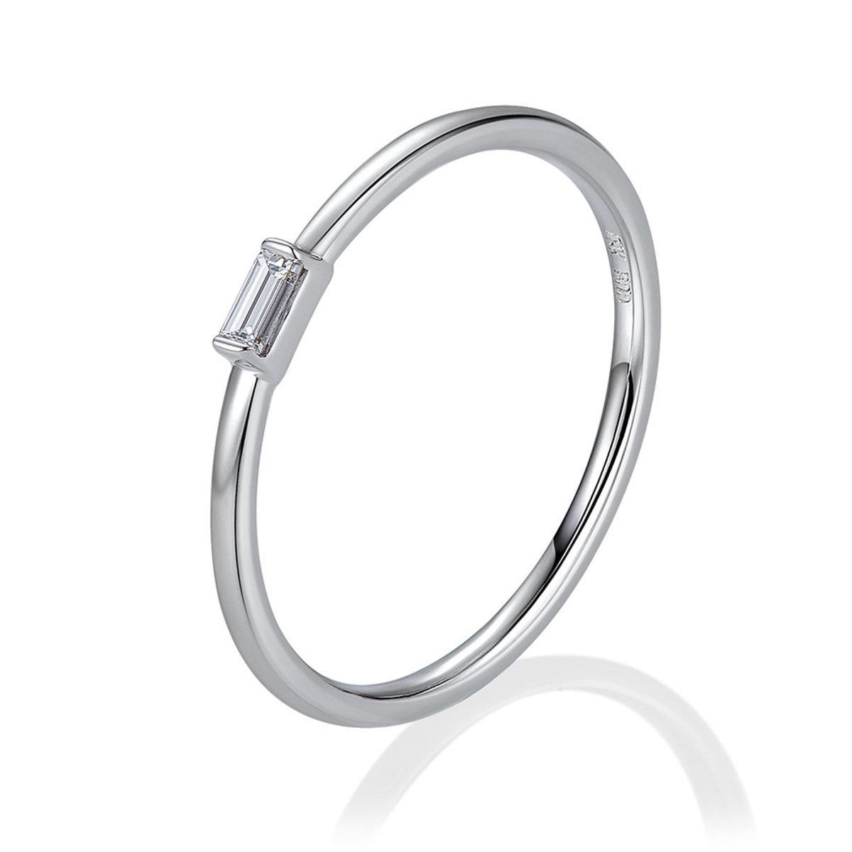 18K白金鑽石戒指(0.06克拉總重量)