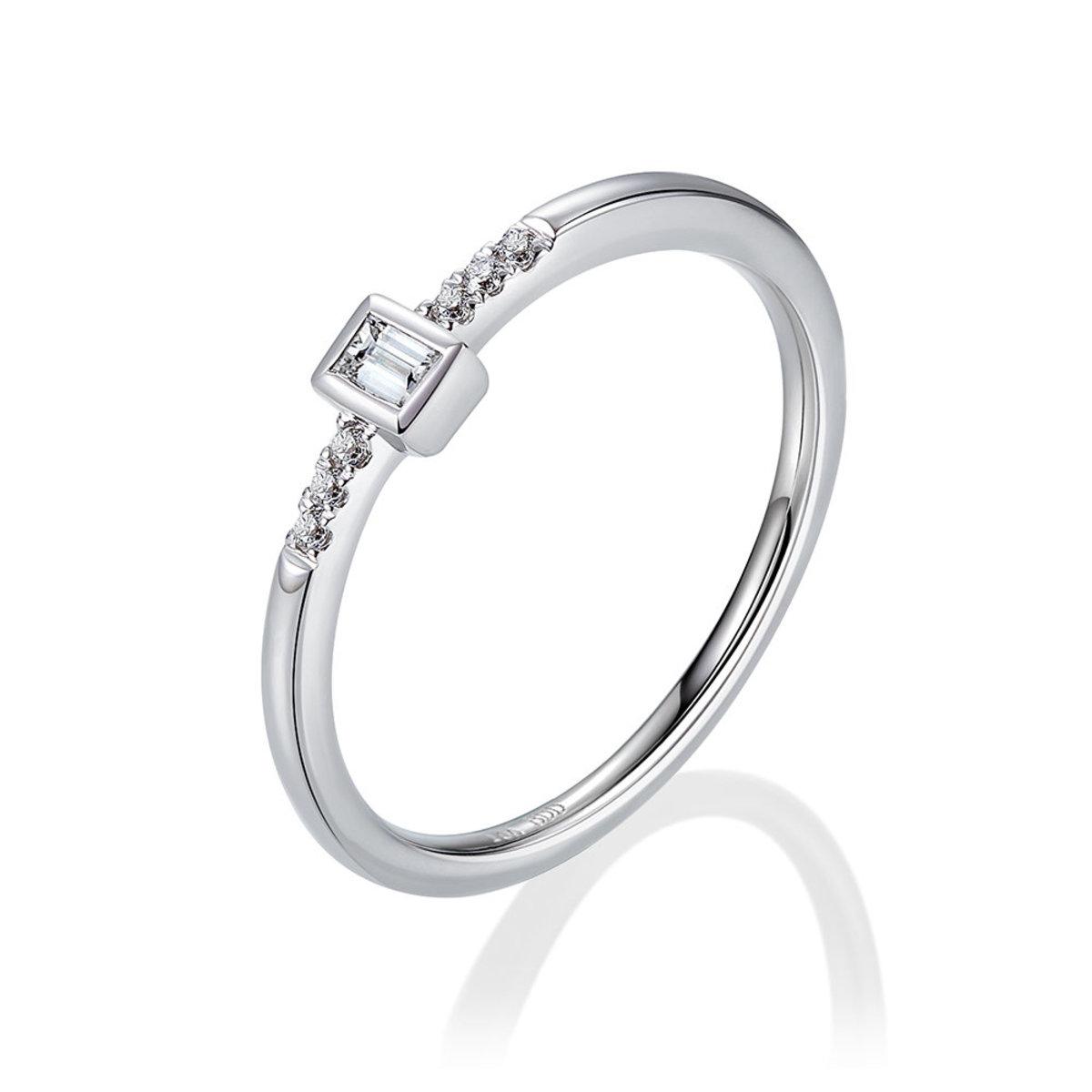 18K White Gold Diamond Ring (0.09 ct. tw.)