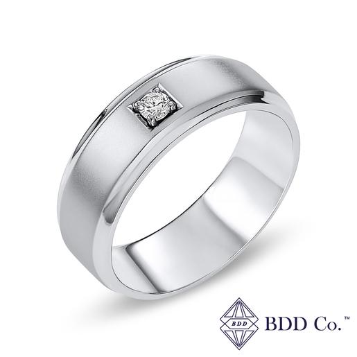 18k 白金啞光方邊圓形鑽石結婚戒指(0.076 克拉總重量)
