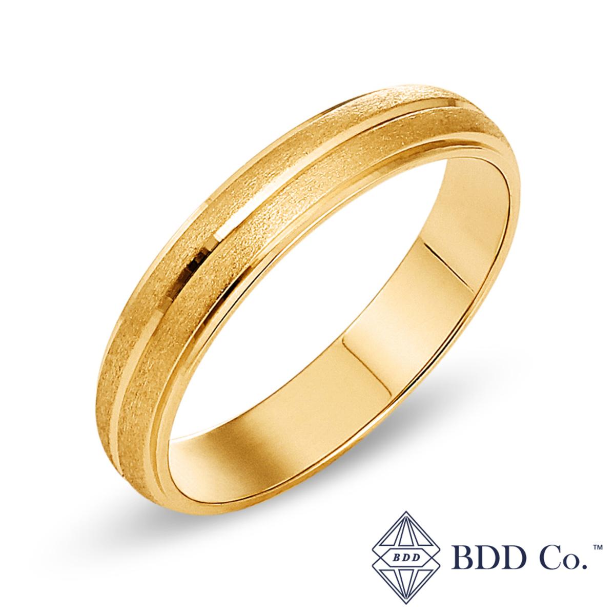 18k Yellow Gold Engraving with Satin Finish Wedding Ring (4mm)