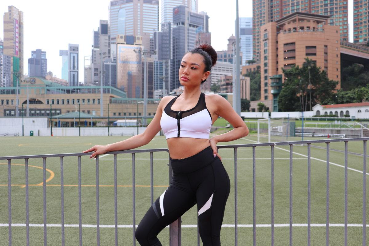 ALEX WHITE (L) Sports bra with zipper made of Bamboo