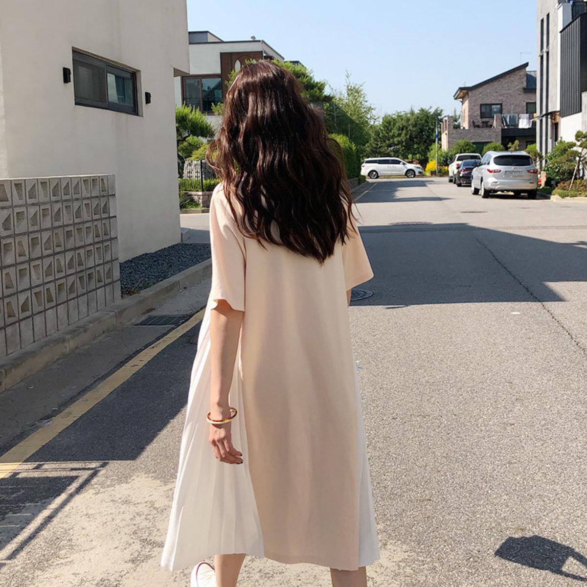 褶皺短袖篷鬆連身裙