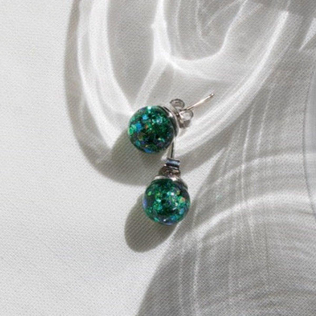 Luvin Snowball Earrings M