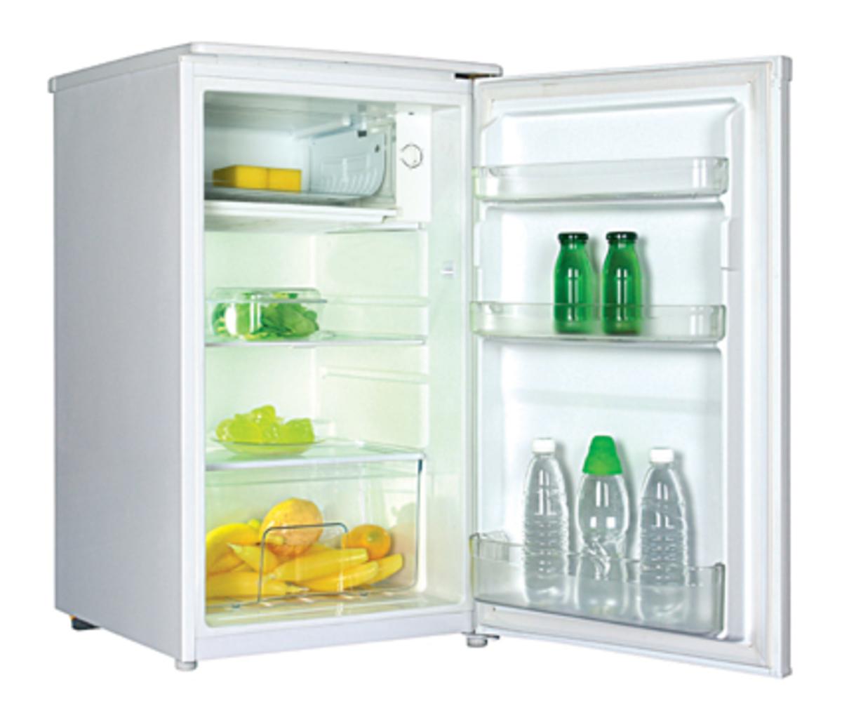 WRC112W 112L Compact fridge