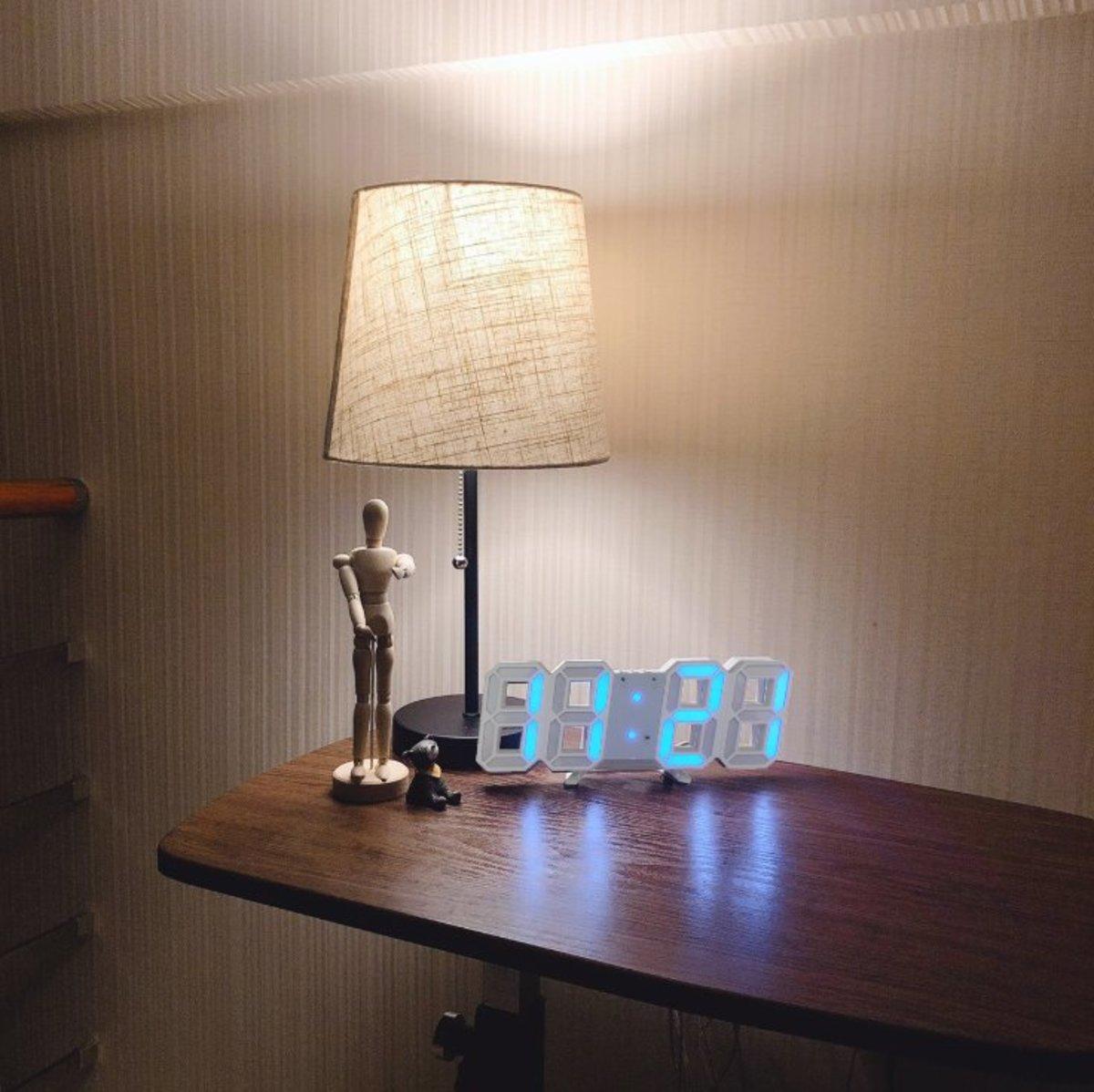(Blue Light) Creative USB LED Digital Wall/Table Alarm Clock