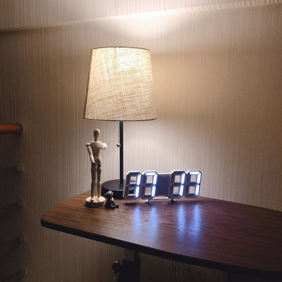 (White Light) Creative USB LED Digital Wall/Table Alarm Clock