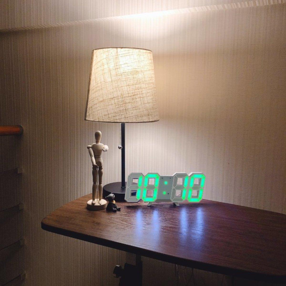 (Green Light) Creative USB LED Digital Wall/Table Alarm Clock