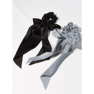 Kitsch 緞面灰黑色蝴蝶結圍巾式髮圈(2pc)