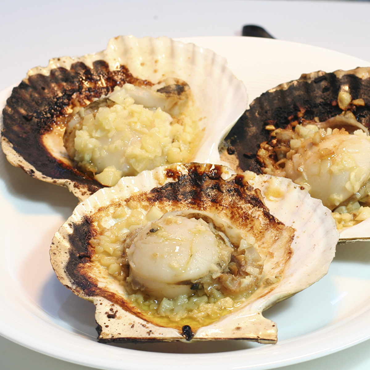 Fresh Scallop with Garlic Butter (4pcs)