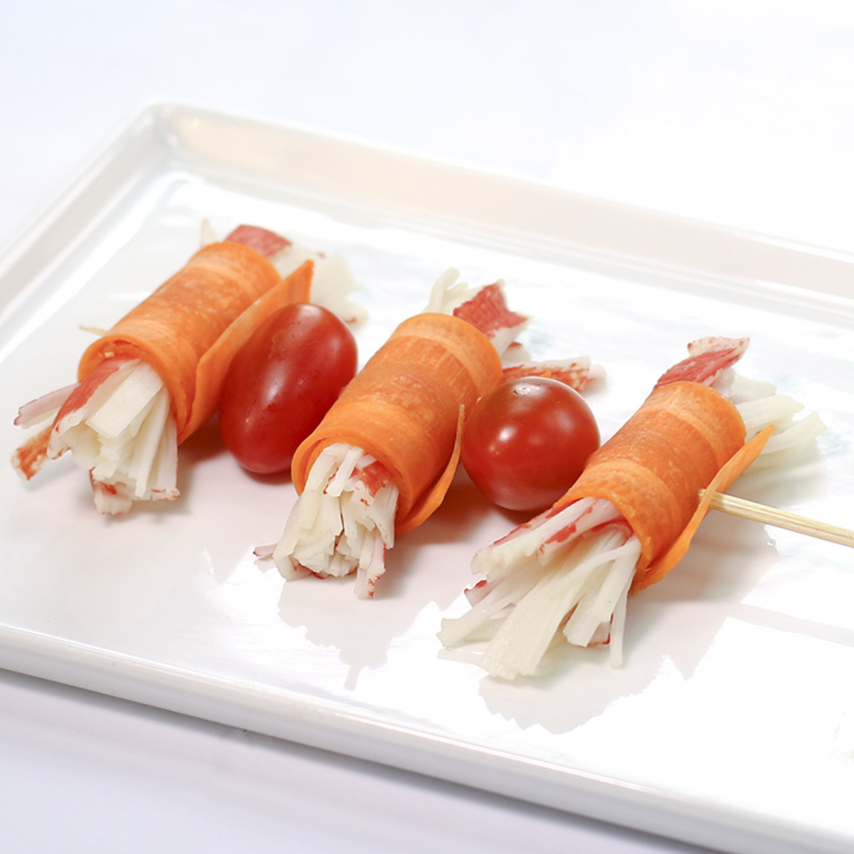 Crab Stick Carrot with Cherry Tomato Skewer (2pcs)