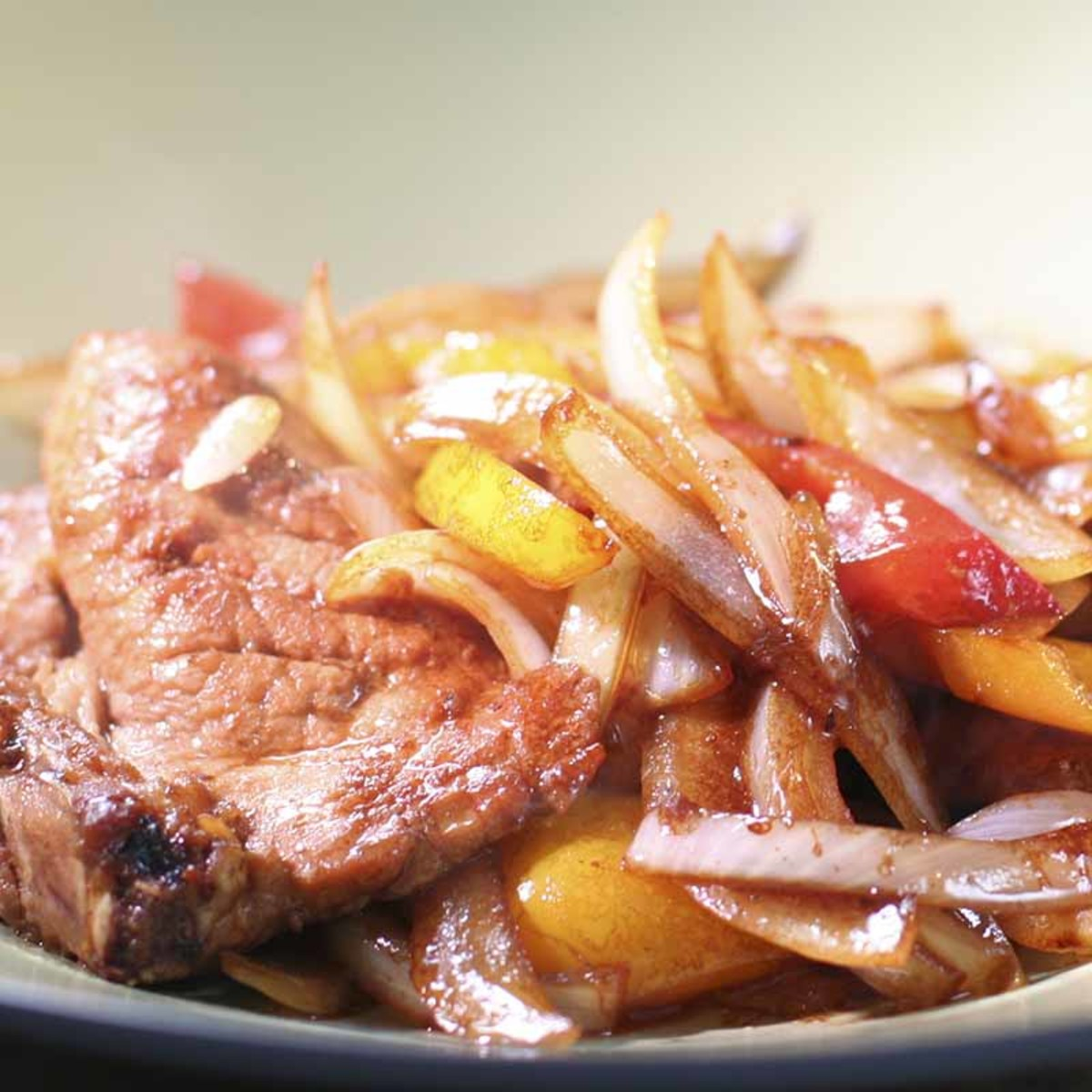 Stir Fry Japanese Onion With Pork Chop