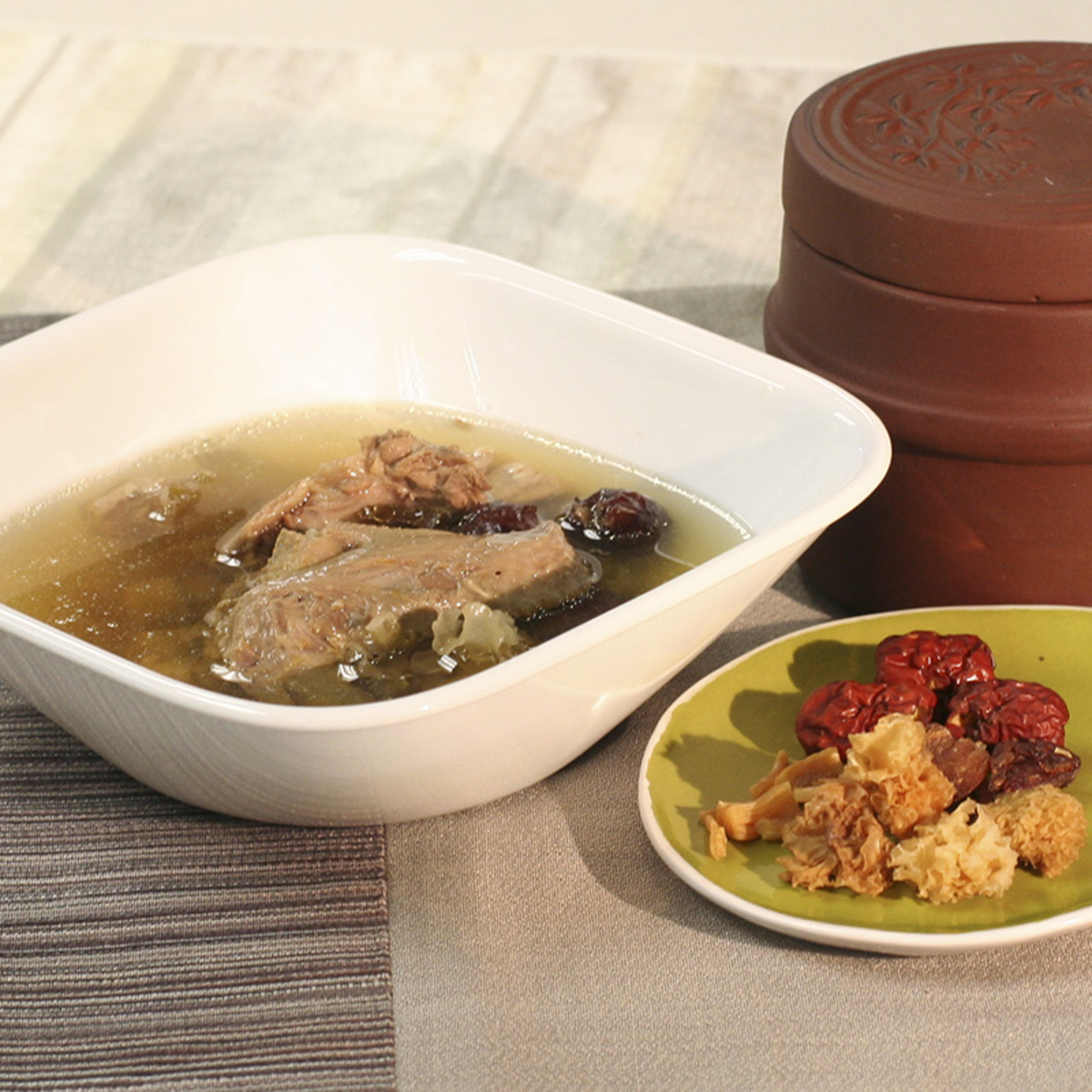 Red Date & White Fungus Soup with Pigeon