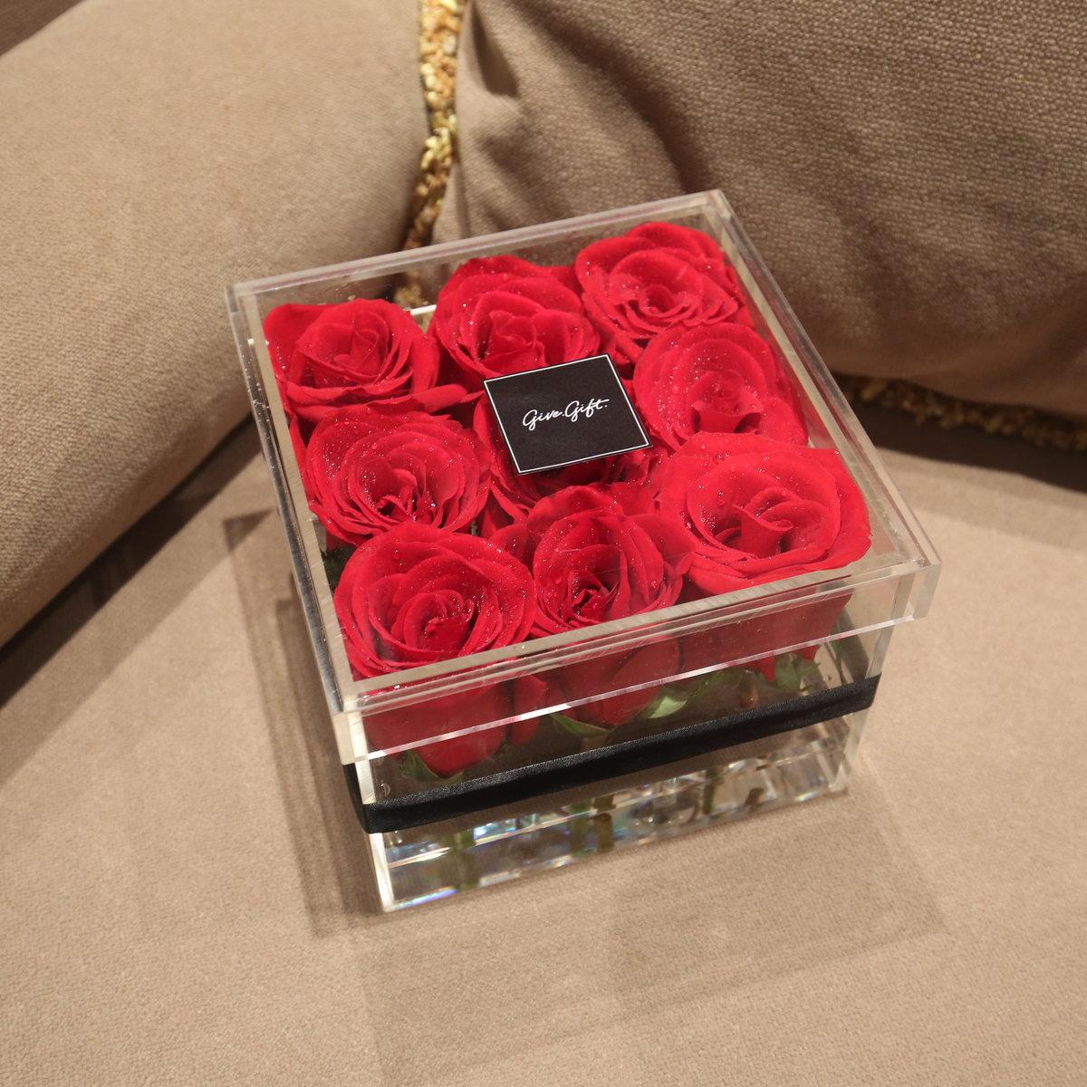 Red roses box flower