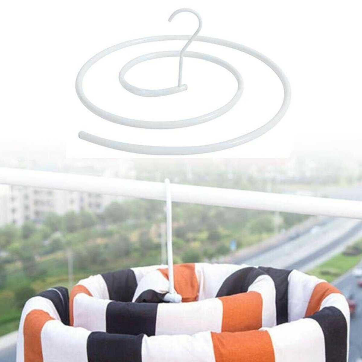 Spiral-shaped Iron Quilt Sheets Hanger Cover Drying Hook Quilt Design Blanket