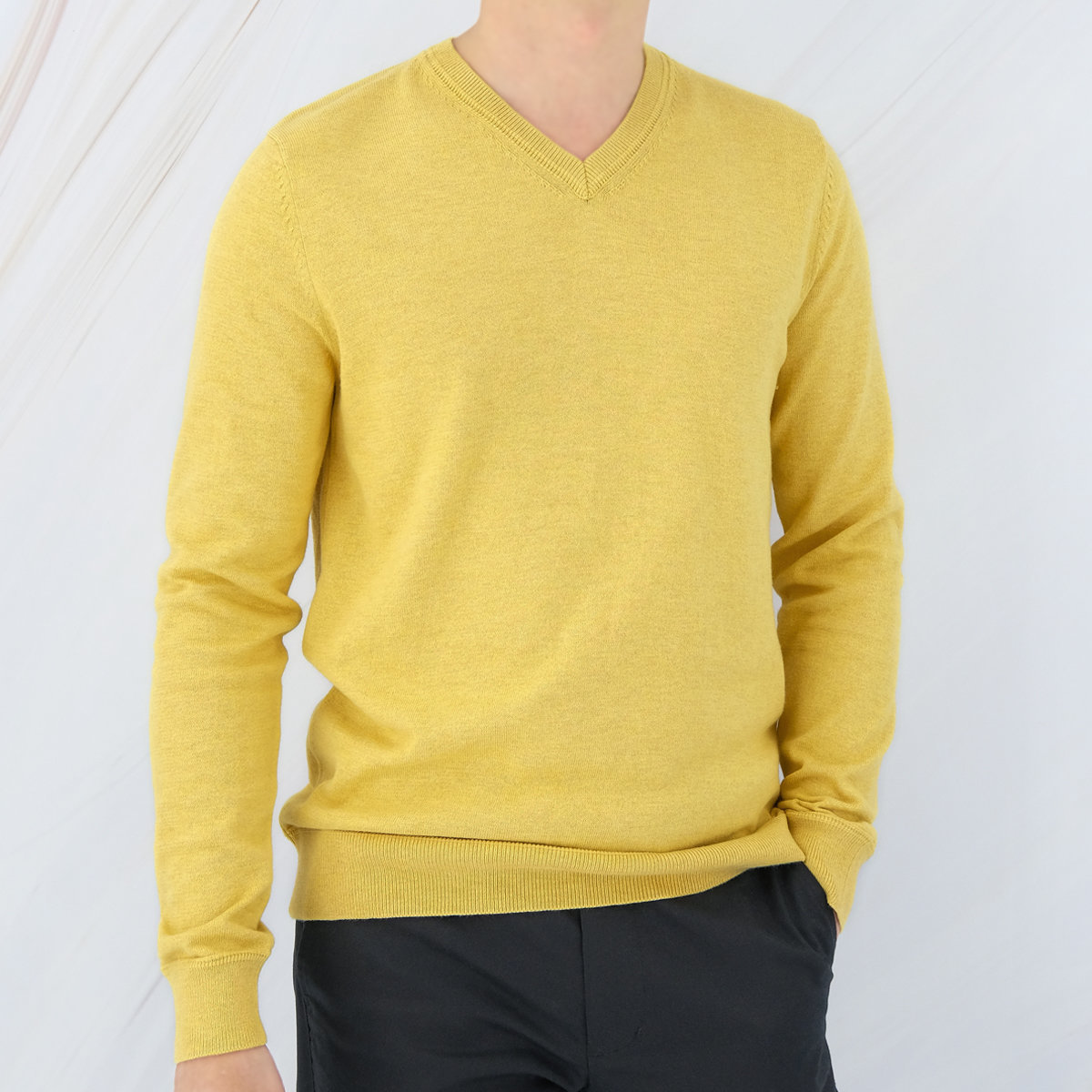 Men's Cotton Blend V-neck Sweater (Curry)